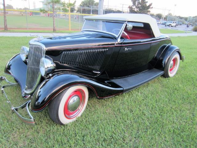 1934 Ford Roadster | 922265