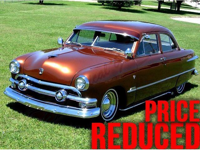 1951 Ford Sedan | 922274