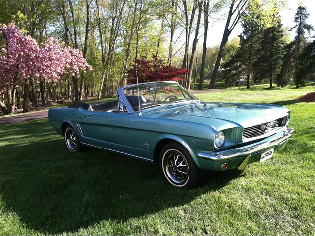 1966 Ford Mustang | 922491