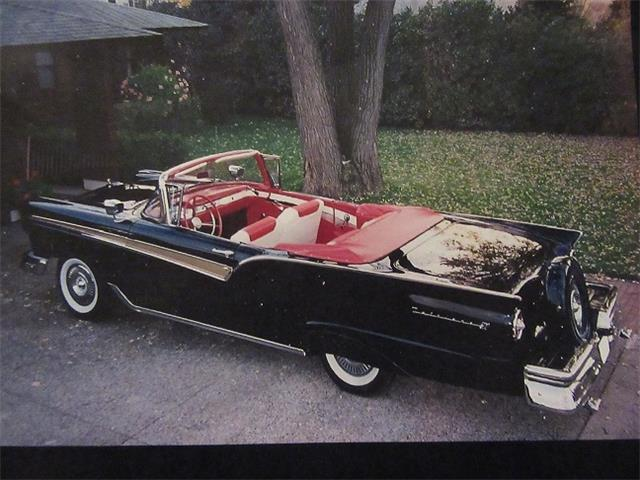 1957 Ford Fairlane 500 | 922523