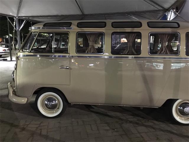1965 Volkswagen Bus | 922562