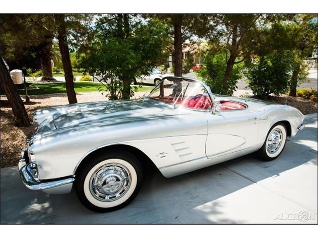 1961 Chevrolet Corvette | 922676