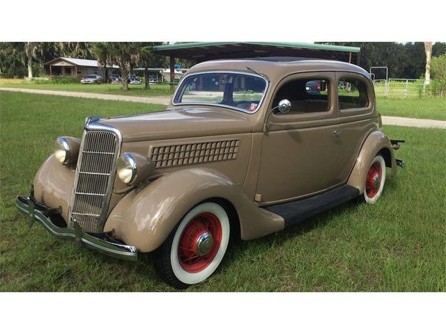 1935 Ford Model 48 | 922962