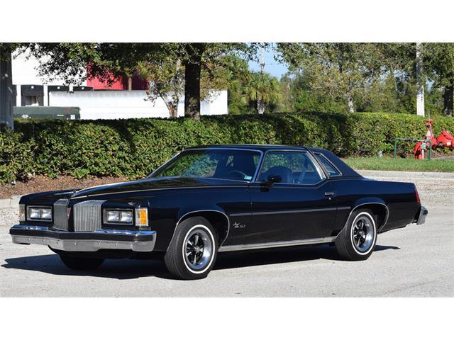 1976 Pontiac Grand Prix   923090