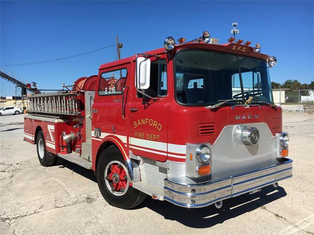 1977 Mack Truck   920335