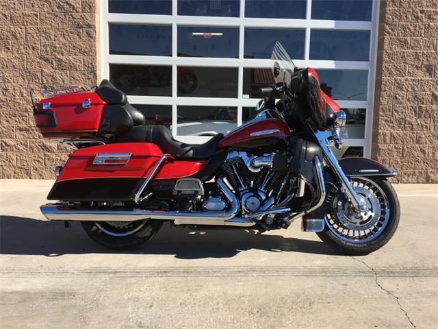 2011 HARLEY-DAVIDSON FLHTK - Electra Glide® Ultra Limited | 923408