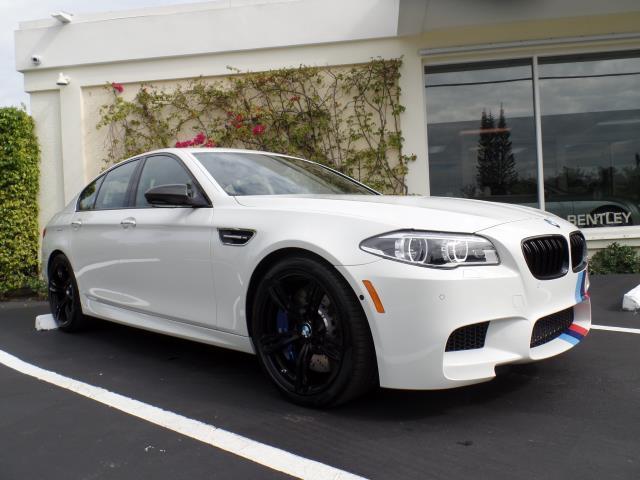 2016 BMW M5 | 923693