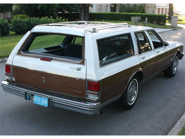 1988 Oldsmobile Custom Cruiser | 920370