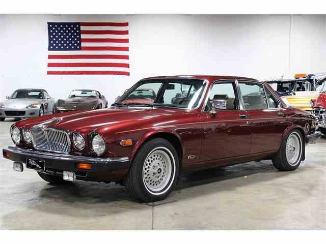 1990 Jaguar XJ12 Series III | 923935