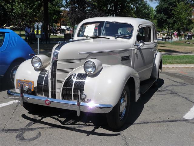 1939 Pontiac Silver Streak | 920004