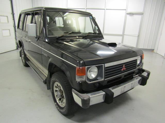 1990 Mitsubishi Pajero | 924014