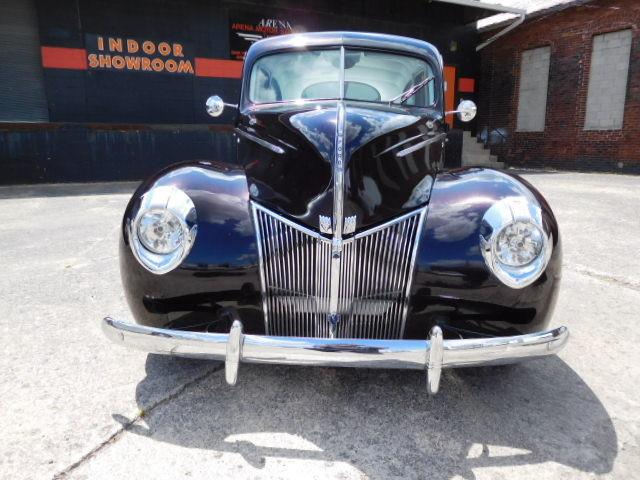 1940 Ford Deluxe | 924243