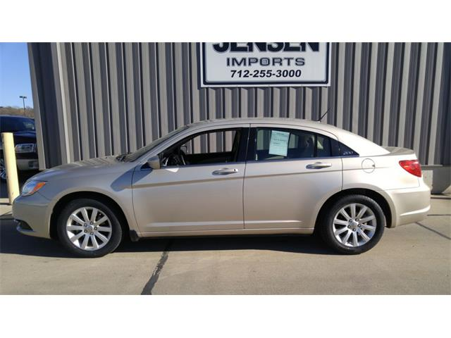 2013 Chrysler 200 | 924317