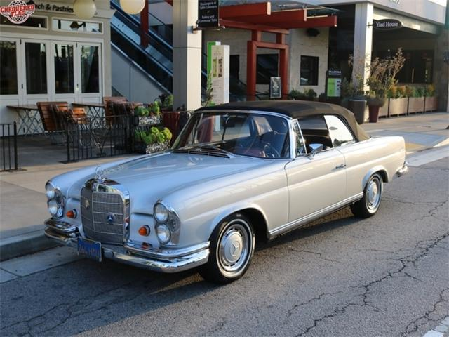 1967 Mercedes-Benz 1967 Mercedes-Benz 250 SE Convertible | 924381
