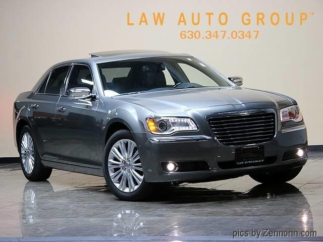 2011 Chrysler 300 | 924580