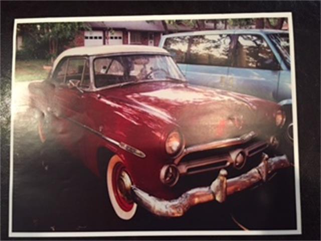 1952 Ford Victoria | 924980