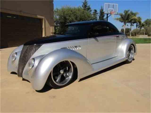 1937 Ford Custom | 925565