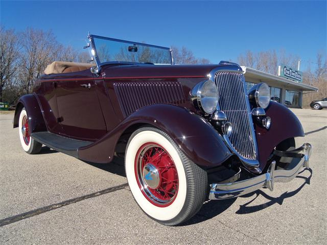 1934 Ford  40 Roadster Deluxe | 925568