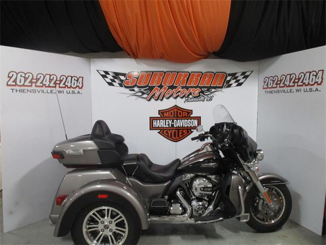 2016 Harley-Davidson® FLHTCUTG - Tri Glide® Ultra | 925720