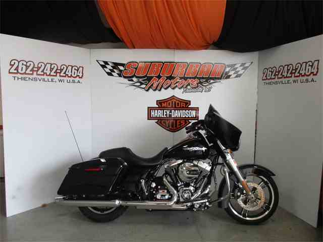 2016 Harley-Davidson® FLHX - Street Glide® | 925721