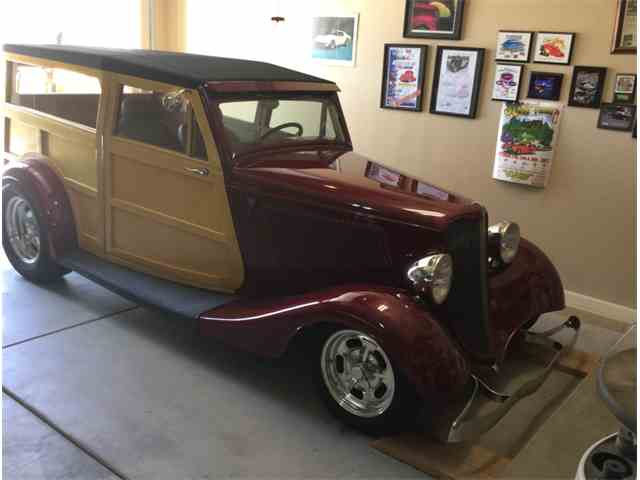1933 Ford Woody Wagon | 925774