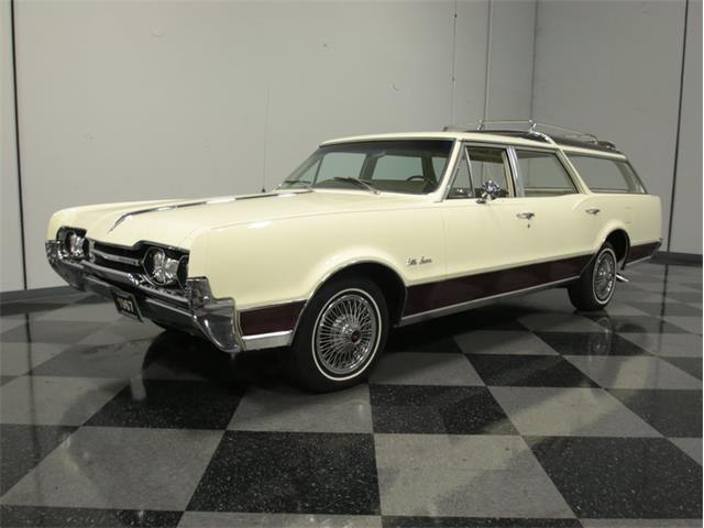 1967 Oldsmobile Vista Cruiser | 926041