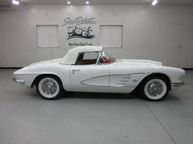 1961 Chevrolet Corvette | 926062