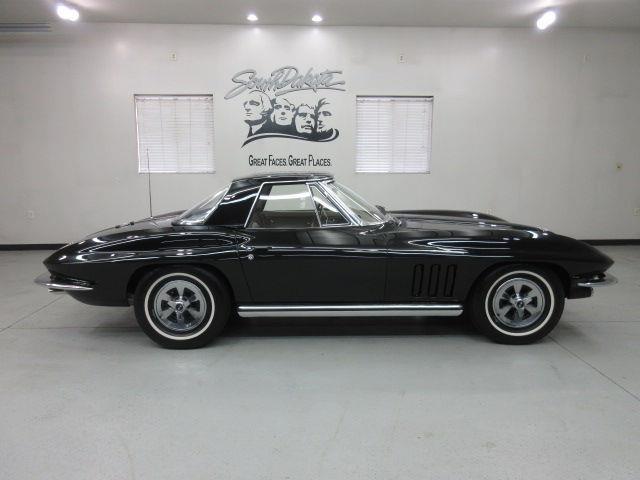 1965 Chevrolet Corvette | 926064