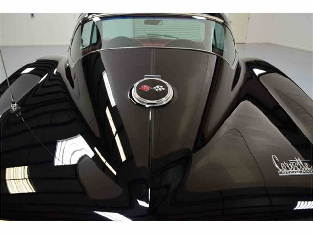 Large Picture of '67 Corvette - JURI