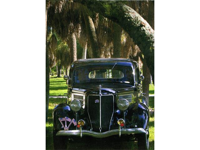 1936 Ford Sedan | 926373