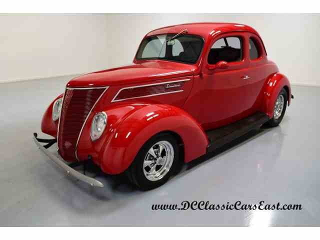 1937 Ford 5-Window Coupe | 926540