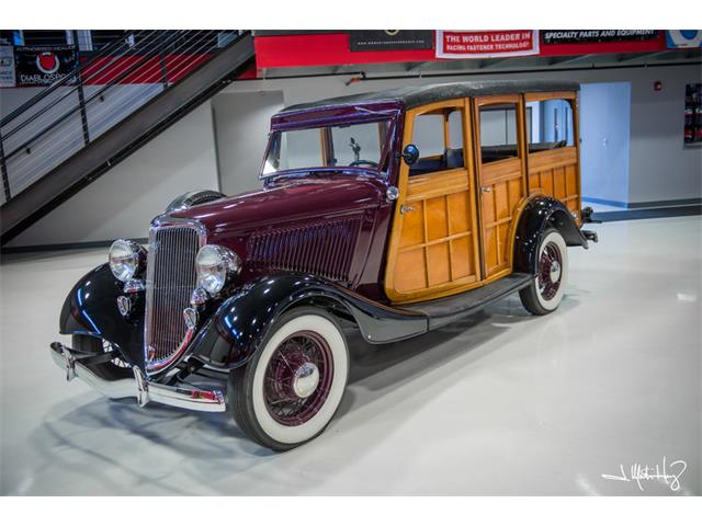 1934 Ford Woody Wagon   926635