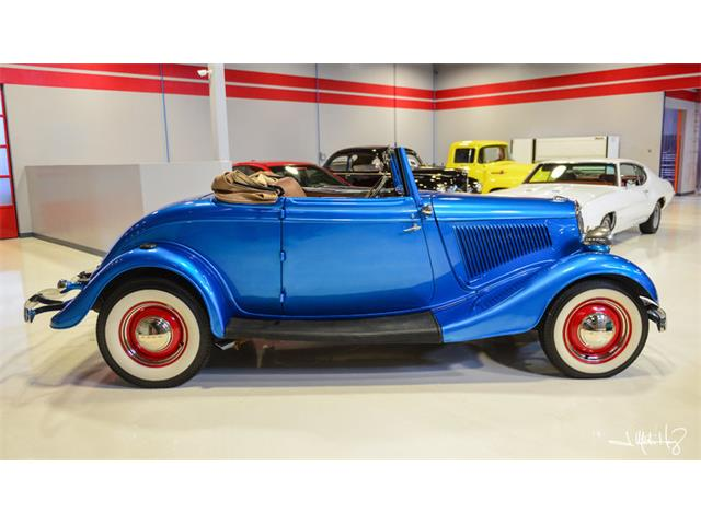 1934 Ford Club Cabriolet | 926641