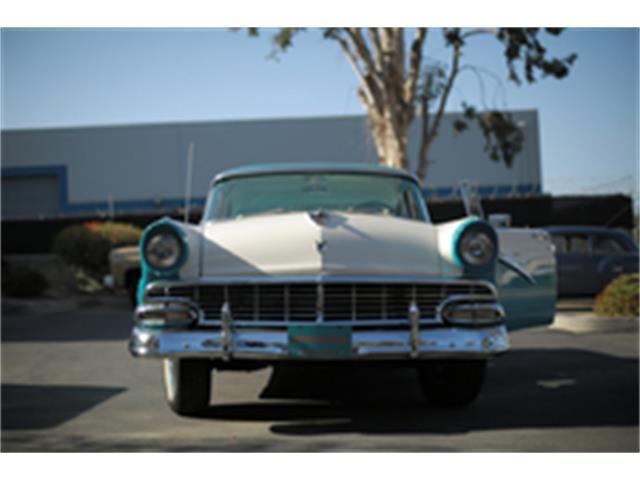 1956 Ford Fairlane | 926901