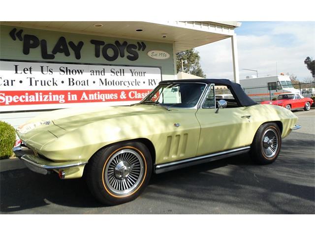 1965 Chevrolet Corvette | 927178