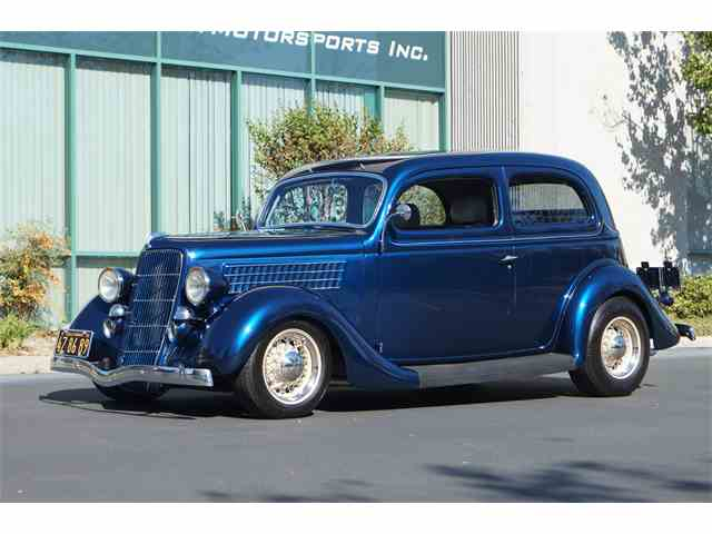 1935 Ford Slantback Coupe | 927187