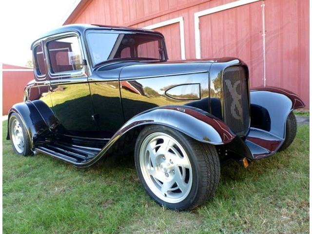 1932 FORD 5 WINDOW CUSTOM COUPE