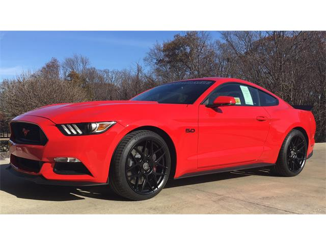 2015 Ford Mustang GT Petty's Garage | 927301