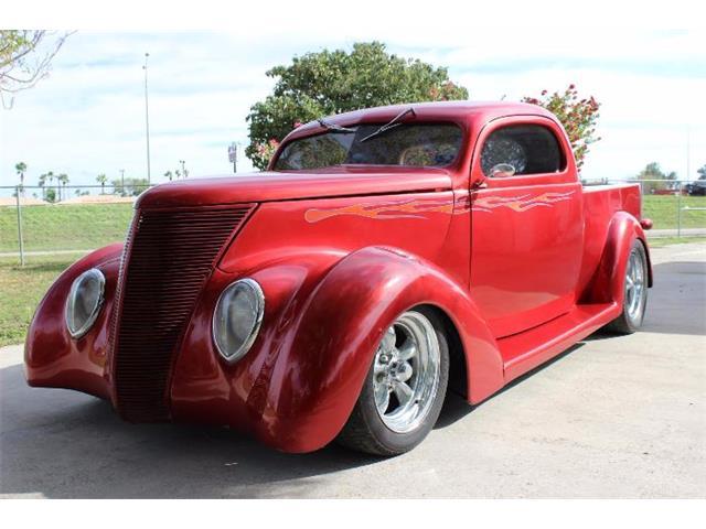 1937 Ford Custom | 927344