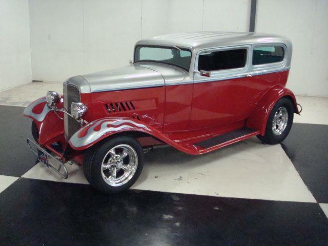 1932 Ford 2-Dr Sedan | 927476