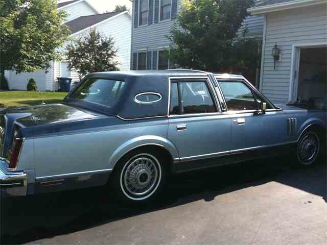 1983 Lincoln Continental Mark VI | 927479