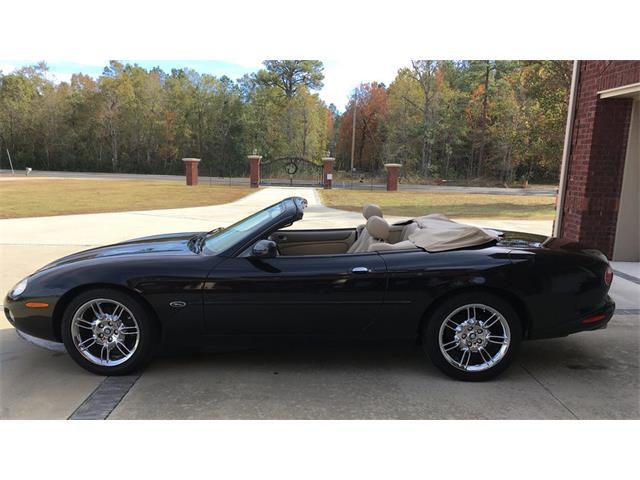 2002 Jaguar XK8 | 927559