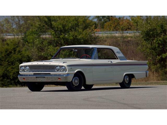 1963 Ford Fairlane 500 | 927758