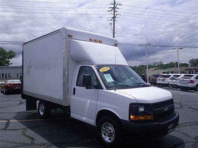 2010 Chevrolet Express Cutaway | 928110