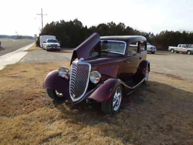 1934 Ford 2-Dr Sedan | 928161
