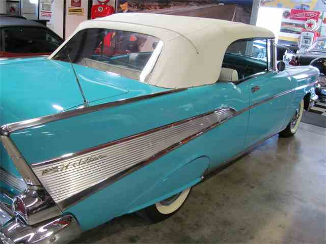 1957 Chevrolet Convertible | 928173