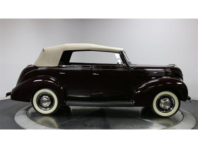 1938 Ford Deluxe   928328