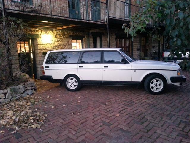 1992 Volvo 240 | 928407