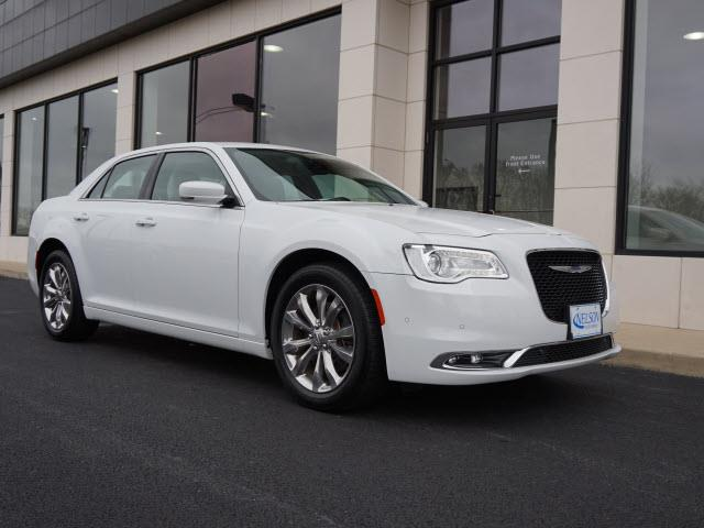 2015 Chrysler 300 | 928676