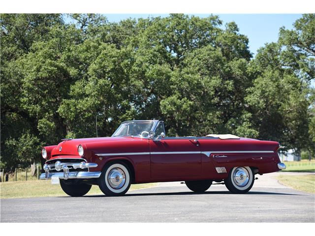 1954 Ford Crestliner | 928883